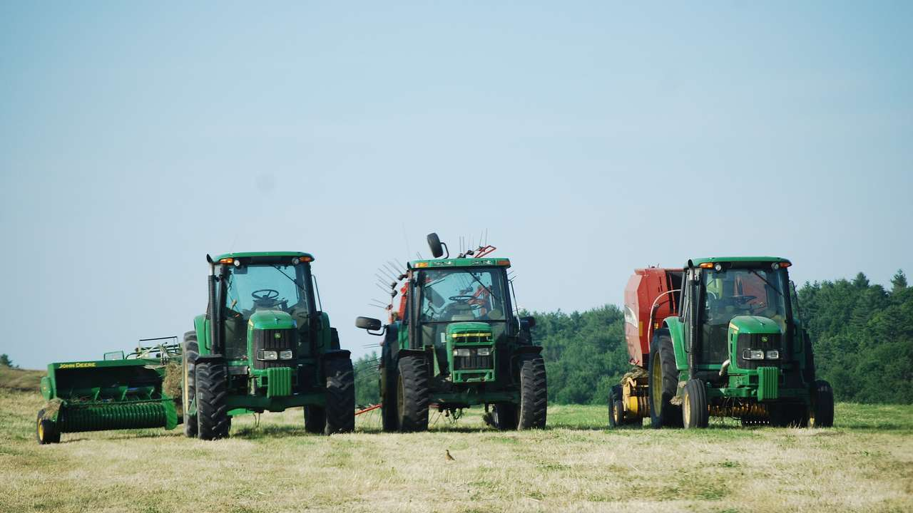 http://law24.pl/wp-content/uploads/2013/02/Siec-dealerska-maszyny-rolnicze.jpg